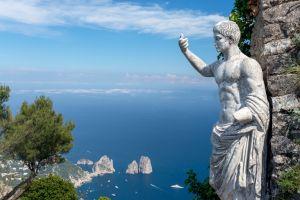 Augustus over Capri