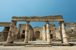 Herculaneum, Front