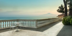 breakfast-with-vesuvius.jpg